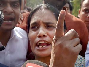 Nirbhaya's mother Asha Devi talks to media