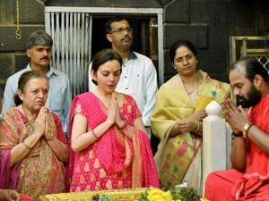 Nita Ambani paying obeisance at Saibaba temple in Shirdi