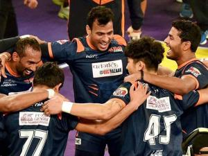 Bengal Warriors players celebrate after beating  Puneri Paltan