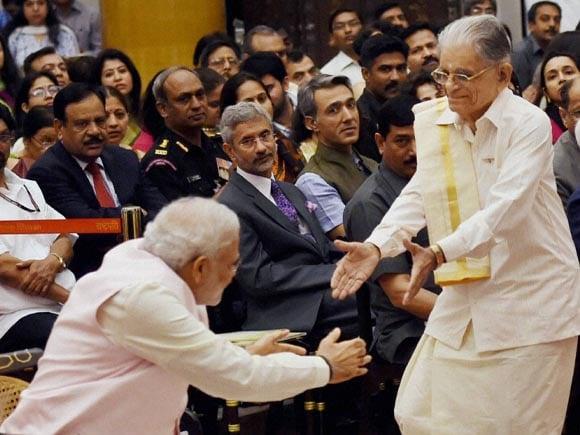 N Purushothama Mallaya, President of India, Pranab Mukherjee, Prime Minister of India, Narendra Modi, Padma Vibhushan, Rashtrapati Bhavan