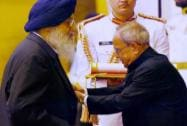 President Pranab Mukherjee presents Padma Vibhushan to Sardar Parkash Singh Badal during Padma Awards 2015