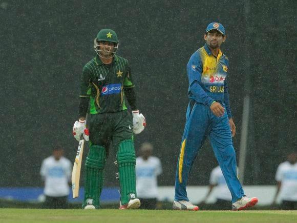Mohammad Hafeez, Tillakarathne Dilshan, Pakistan, Sri Lanka, Colombo, Cricket, 3rd ODI, ODI, International Cricket Match