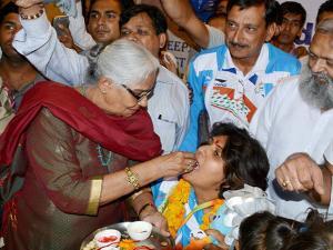 Deepa Malik being welcomed at airport