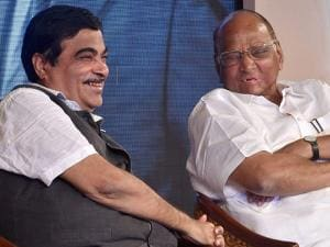 Union Minister Nitin Gadkari and NCP chief Sharad Pawar during the book launch
