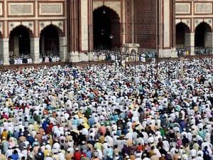 Muslim offering Namaz at Jama Masjid on the occasion of Eid-ul-Fitr