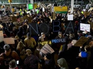 People slam Trump's Muslim ban at US airports