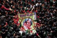 Students paying tribute to the former President APJ Abdul Kalam