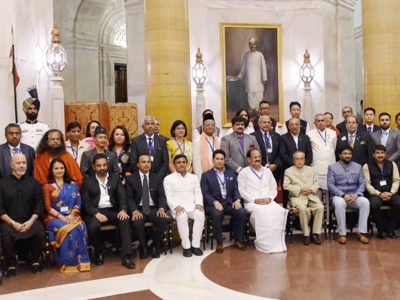 President of India, Pranab Mukherjee, Venkaiah Naidu, Sachin Tendulkar, Anil Ambani, UP Chief Minister, Akhilesh Yadav, Kamal Hassan, Swachch Bharat Mission, Brand ambassadors of Swachch Bharat Mission Hassan