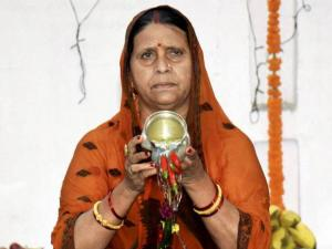 RJD leader Rabri Devi offering prayers during Chhath puja
