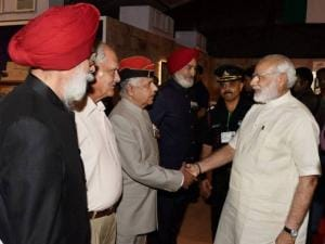 Prime Minister Narendra Modi meeting with war veterans of 1965 war at Shauryanjali