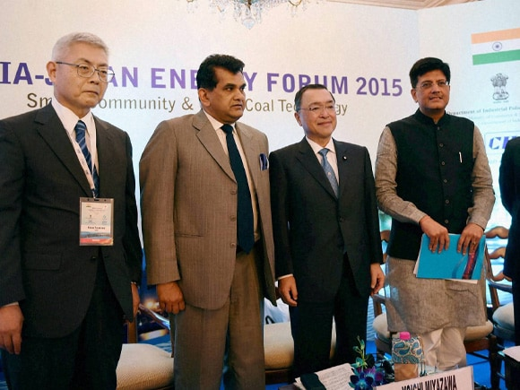 Piyush Goyal, Yoichi Miyazawa, Japan - India Energy Forum 2015