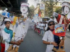 people participate in an awareness rally to observe world cancer day in kolkata