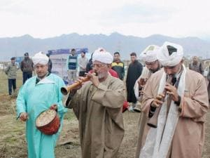 Kashmiri folk artists perform