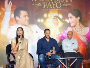 Salman Khan, Sonam Kapoor and Director Sooraj Barjatya