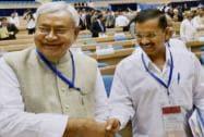 Delhi CM Arvind Kejriwal shakes hand with Bihar CM Nitish Kumar