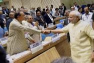 Prime Minister Narendra Modi shakes hand with Attorney General of India Mukul Rohatgi