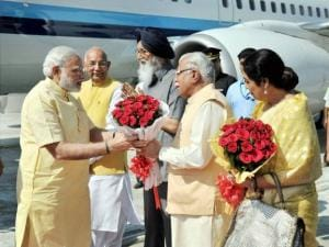 Narendra Modi with Prakash Singh Badal, Manohar Lal Khattar, Vijay Sampla and BJP MP Kiron Kher