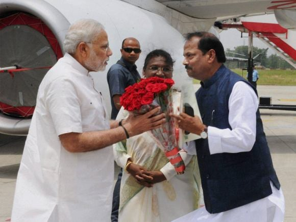 Prime Minister of India, Narendra Modi, Jharkhand CM, Raghubar Das, Governor of Jharkhand, Draupadi Murmu, IARI, Agriculture, Ranchi Airport, Jharkhand, Hazaribagh, NMDC, Indian Agriculture Research Institute