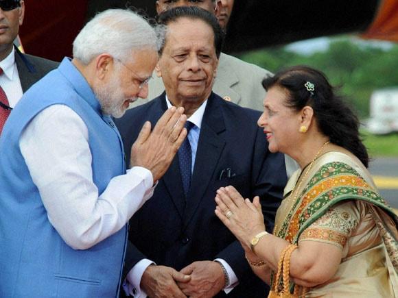 Prime Minister of India, Narendra Modi, President of Mauritius, Rajkeswur Purryag, Aneetah Purryag,  Port Louis, Mauritius,  Sir Seewoosagar Ramgoolam Airport