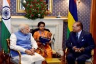 Prime Minister Narendra Modi  with Mauritius President Rajkeswur Purryag