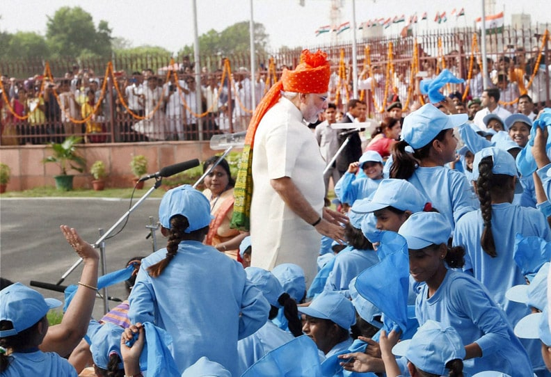 Prime Minister, Narendra Modi, interacts, school children, addressing, Nation, rampart, historic Red Fort