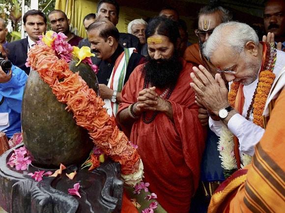 Prime Minister of India, Narendra Modi, Ganga Talao, Temple