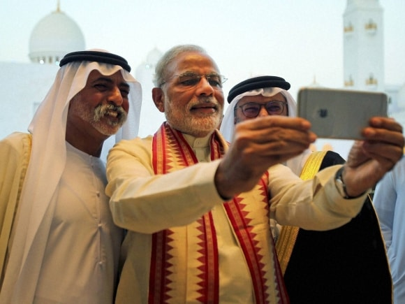 Prime Minister of India, Narendra Modi, Sheikh Zayed Grand Mosque, UAE, PM Modi, Modi's UAE trip, Modi in UAE, Sheikh Hamdan bin Mubarak Al Nahyan, UAE Minister of Higher Education