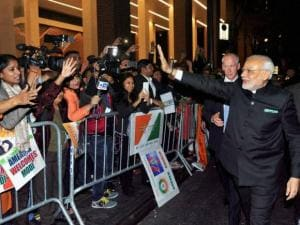 Narendra Modi being greeted by the people on his arrival in New York