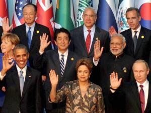 Prime Minister Narendra Modi with US President Barack Obama during the G-20 group photo