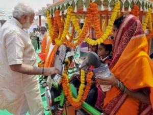 Narendra Modi launches financial inclusion initiative in Varanasi