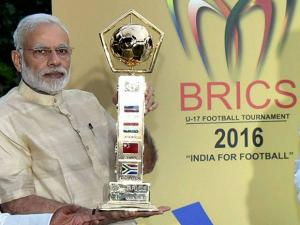 Narendra Modi and unveils BRICS U-17 Football Tournament – 2016 Trophy