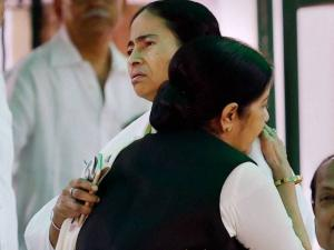 Sushma Swaraj and West Bengal CM Mamata Banerjee
