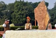 Union Home Minister Rajnath Singh paying homage at the Police Memorial