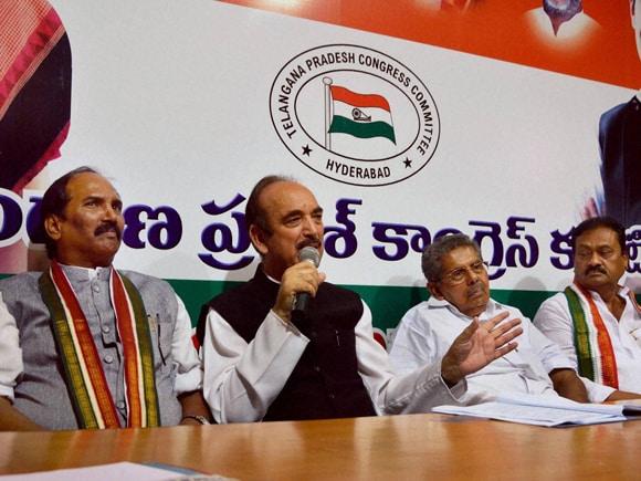 Congress Leader, Ghulam Nabi Azad, TPCC  President, N. Uttam Kumar Reddy, Vayalar Ravi, Mohammad Ali Shabbir, Gandhi Bhavan, Hyderabad