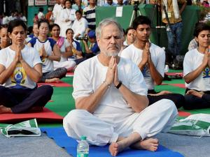 Najeeb Jung, Lt. Governor of Delhi of Yoga at  Connaught Place in New Delhi