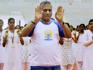 V.K. Singh, Minister of State for Statistics and Programme Implementation (IC) and External Affairs, General (Retd.) at Elliots Beach, Chennai 02