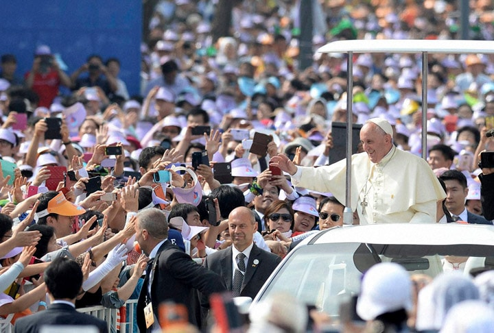 Pope Francis, popemobile, greeted, faithful, upon, arrival, beatification, mass, Paul Yun Ji-Chung, companions