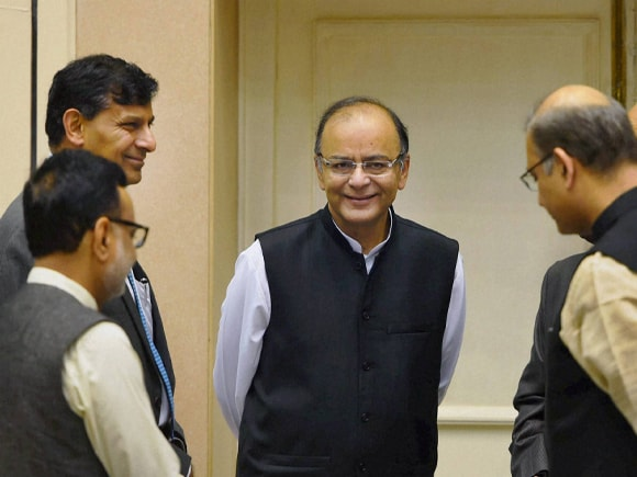 Prime Minister of India, Narendra Mod, RBI Governor, Raghuram Rajan, Finance Minister of India,  Arun Jaitley, Pradhan Mantri, Mudra Yojana, MoS for Finance, Jayant Sinha