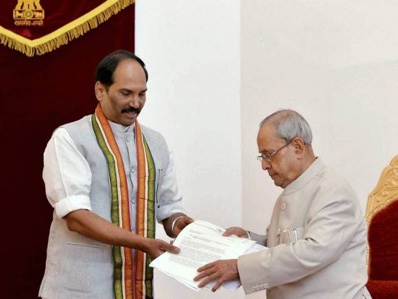 President of India, Pranab Mukherjee, Telangana Congress President, Uttam Kumar Reddy, ISRO, Gandhi Peace Prize, Indian Space Research Organisation