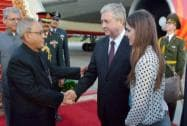 President Pranab Mukherjee is being traditionally welcomed by  Deputy Prime Minister of Belarus