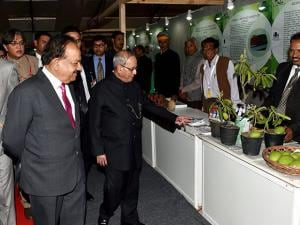 President Pranab Mukherjee goes round stalls during the Innovation Exhibition