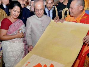 President Pranab Mukherjee during a visit to the Hua Lin Temple in Guangzhou