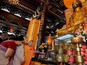 President Pranab Mukherjee during a visit to the Hua Lin Temple in Guangzhou, China