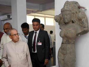 President Pranab Mukherjee visits Vikramshila University Monuments and Museum in Bhagalpur district in Bihar