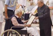 President Pranab Mukherjee presents award to Areyar Srirama Sharma