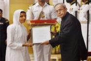 President Pranab Mukherjee presents award to Samani Sangeet Prajan