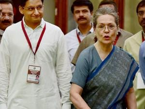 Congress president Sonia Gandhi casting her vote in the Presidential Election.jpg