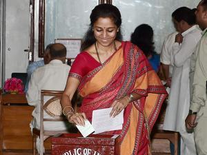 NCP, MP, Supriya Sule casts her vote during Presidential election 2017.jpg
