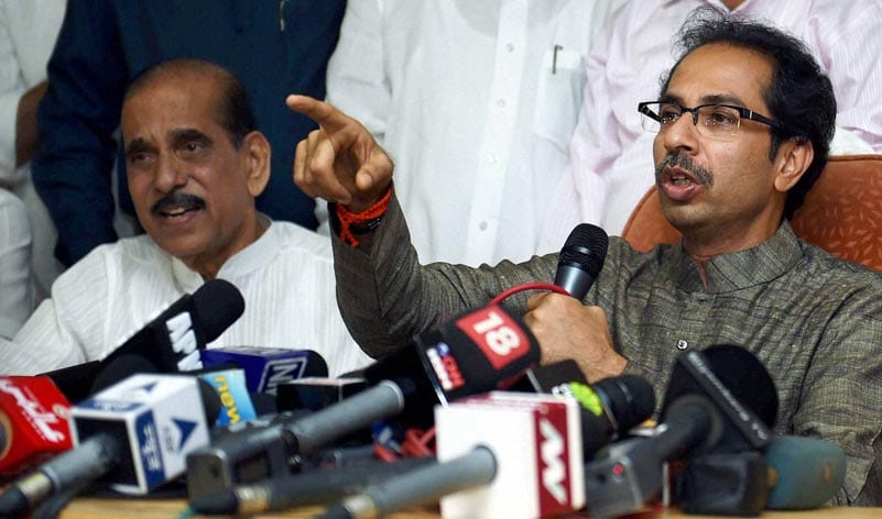 Shiv Sena president, Uddhav Thackeray, Manohar Joshi, addressing, press conference, Shiv Sena Bhavan