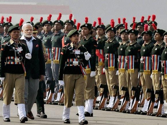 Prime Minister of India, Narendra Modi, NCC Awards 2015,  Defence Minister of India, Manohar Parrikar, Indian military commander, Aniruddha Chakravarty